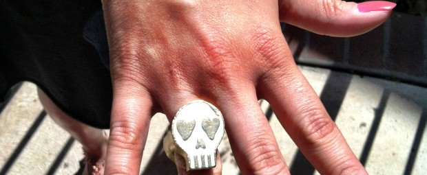 Luxurious Poverty Double Faced Skull Ring